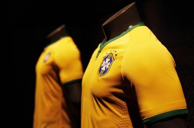 Camisa que seleção usará na Copa do Mundo já está disponível em pré ... 986a15117c9f7