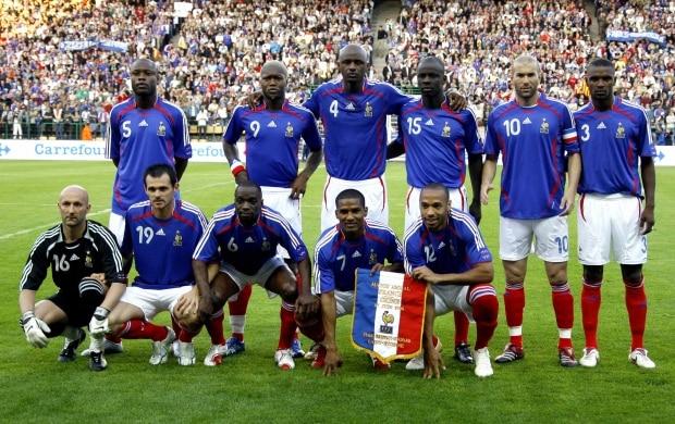 Zidane se rende ao futebol brasileiro   ele sempre me inspirou ... 409e72358d1db